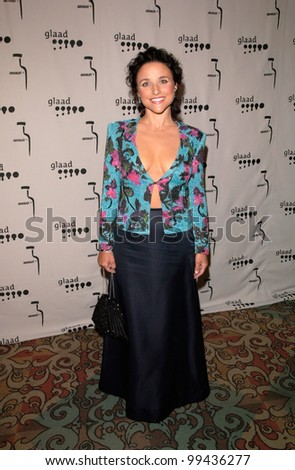 15APR2000: Actress JULIA LOUIS-DREYFUS at the Gay & Lesbian Alliance Against Defamation (GLAAD) Awards in Los Angeles.  Paul Smith/Featureflash - stock photo