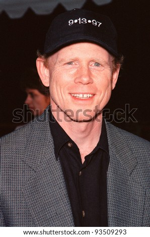 "10AUG99: Director RON HOWARD at the Los Angeles premiere of  ""Bowfinger"" which stars Eddie Murphy & Steve Martin.  Paul Smith / Featureflash - stock photo"