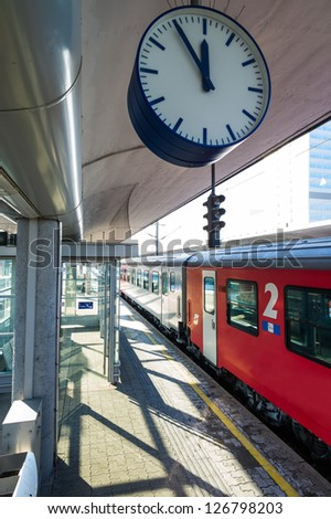 ���¶bb train in the station, symbol photo for commuting, transportation and punctuality - stock photo