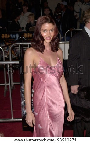 "16DEC99: Actress SHANNON ELIZABETH at the world premiere, in Los Angeles, of Oliver Stone's ""Any Given Sunday"" which stars Al Pacino & Cameron Diaz.  Paul Smith / Featureflash - stock photo"