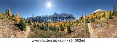 360 degree view of Valley of the Ten peaks, Lake Louise, Banff National Park, Alberta, Canada Start point for this easy hike is Moraine Lake Parking Lot. This is about 1-1/2 hour hike - one way. - stock photo