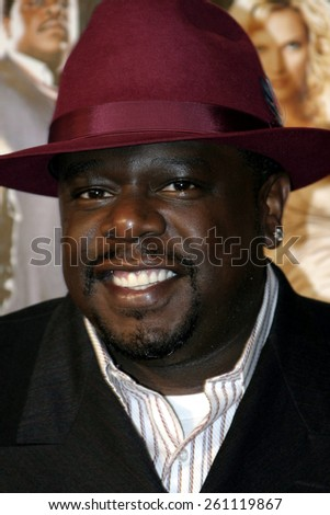 "02/14/2005 - Hollywood - Cedric The Entertainer at the ""Be Cool"" Premiere Red Carpet at Grauman's Chinese Theater in Hollywood.  - stock photo"