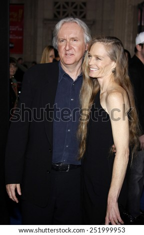"""16/12/2009 - Hollywood - James Cameron at the Los Angeles Premiere of """"Avatar"""" held at the Grauman's Chinese Theater in Hollywood, California, United States.  - stock photo"""