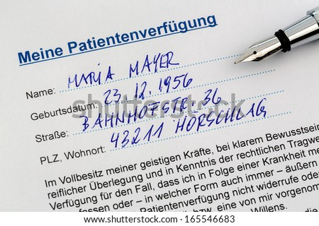 a living will in german language. instructions for the doctor or hospital in the event of a terminal illness. - stock photo