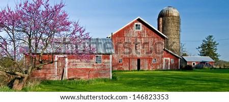A rural farm scene along IL Rt 71 in Kendall County, Illinois. - stock photo