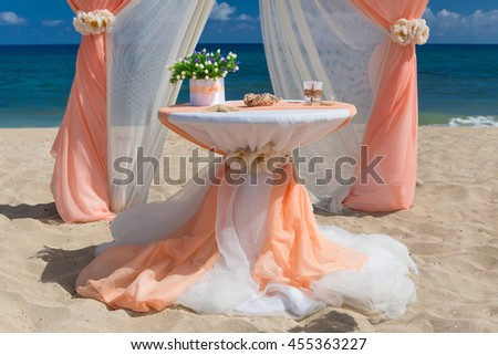 Accessory kit for a wedding on the shore of the caribbean sea - stock photo