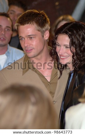 Actor BRAD PITT & actress JULIA ROBERTS at the Los Angeles premiere of their new movie The Mexican. 23FEB2001.    Paul Smith/Featureflash - stock photo