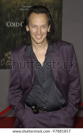 Actor STEVE VALENTINE at the world premiere, in Hollywood, of Cold Creek Manor. Sept 17, 2003  Paul Smith / Featureflash - stock photo