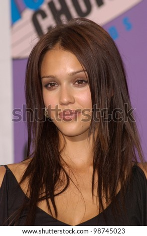 Actress JESSICA ALBA at the 2001 Teen Choice Awards at the Universal Amphitheatre, Hollywood.  She won the award for Choice TV Actress. 12AUG2001.   Paul Smith/Featureflash - stock photo