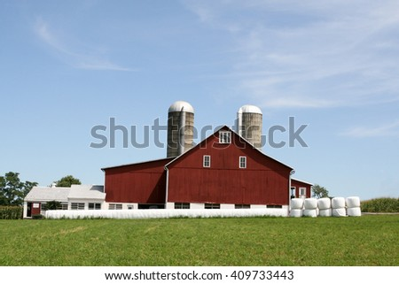 Amish Farmhouse and barn in Lancaster, PA - stock photo