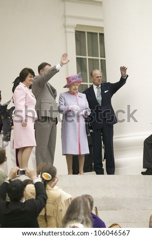 Anne Holton, Governor Timothy M. Kaine, Her Majesty Queen Elizabeth II and Prince Philip waving, Richmond Virginia, as part of the 400th anniversary of the Jamestown Settlement, May 3, 2007 - stock photo