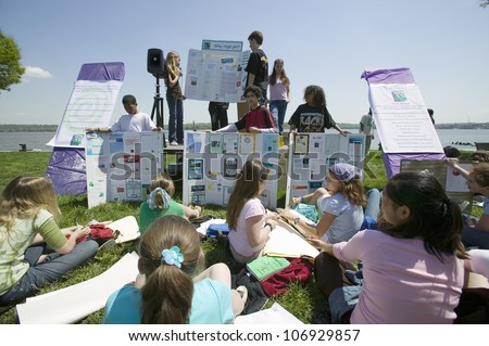 APRIL 2006 - Students discuss Earth Force environmental Project on Earth Day, Alexandria, Virginia - stock photo
