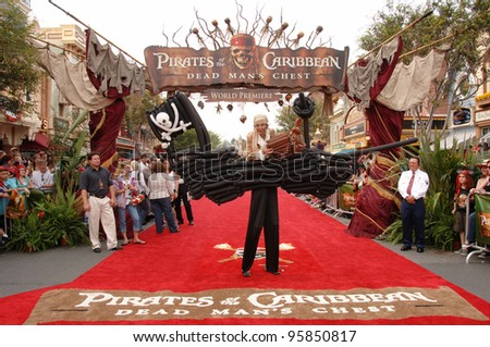"""Atmosphere at the world premiere of """"Pirates of the Caribbean: Dead Man's Chest"""" at Disneyland, CA. June 24, 2006  Anaheim, CA  2006 Paul Smith / Featureflash - stock photo"""