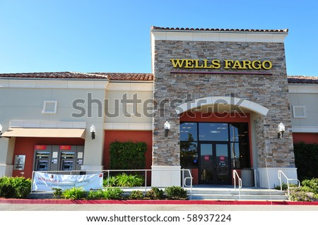 AUGUST 10 : Wells Fargo Loses Ruling on Overdraft Fees August 10, 2010 in San Francisco, CA Bank branch in Simi Valley, CA - stock photo
