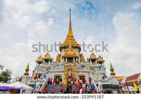 BANGKOK - FEBRUARY 19 : Golden Buddha Temple in Chinese New Year celebrations on February 19, 2015 at Yaowaraj road, Bangkok, Thailand - stock photo