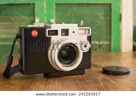 BANGKOK, THAILAND - DEC 30: Leica Digilux 1 digital camera was developed by Leica and Panasonic released in 2002 , was taken on December 30, 2014 in Bangkok, Thailand - stock photo