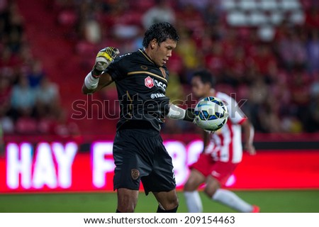 BANGKOK THAILAND-Jul30:Goalkeeper Kawin Thamsatchanan of Muangthong Utd.  during the LFP World Challenge 2014 between SCG Muangthong UTD. and Almeria at SCG Stadium on July30,2014,Thailand - stock photo