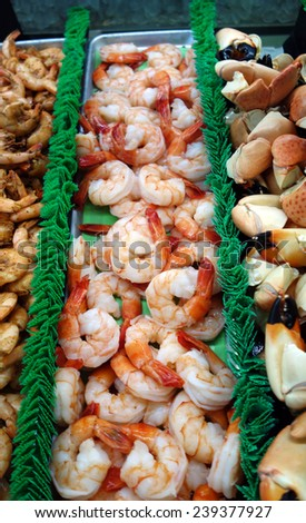 Beautiful cooked shrimp at the market - stock photo