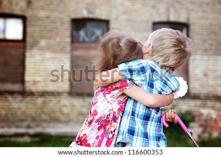 girl hugging boy ensas