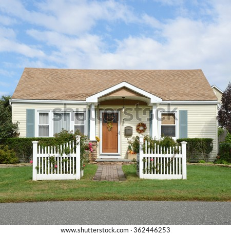 Bungalow Style Home Stock Photos Images Pictures