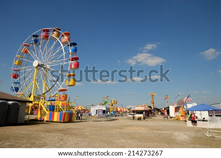BEEVILLE, USA - OCT 19: Ferris wheel at the amusement park in Texas. October 19, 2008 in Beeville, Texas, USA - stock photo