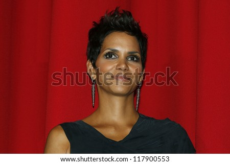 BERLIN, GERMANY - NOV 5: Halle Berry at the 'Cloud Atlas' Germany Premiere at CineStar on November 5, 2012 in Berlin, Germany - stock photo