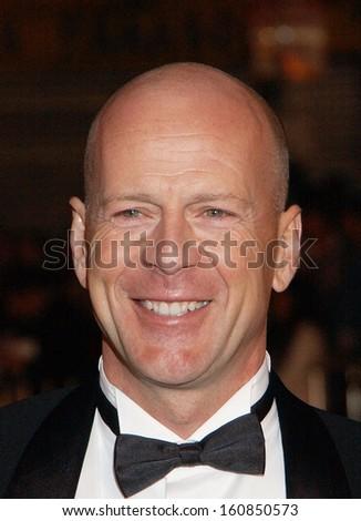 Bruce Willis at the premiere of OCEAN'S TWELVE, Los Angeles, CA, December 8, 2004 - stock photo