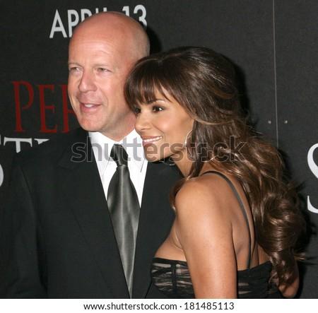 Bruce Willis, Halle Berry at PERFECT STRANGER Premiere, Ziegfeld Theatre, New York, NY, April 10, 2007 - stock photo