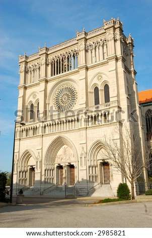 Cathedral Basilica of the Assumption, Newport KY USA, one of 35 minor basilicas in the USA. Construction began in 1894 and ended in 1910. The exterior inspired by Notre Dame Cathedral in Paris. - stock photo