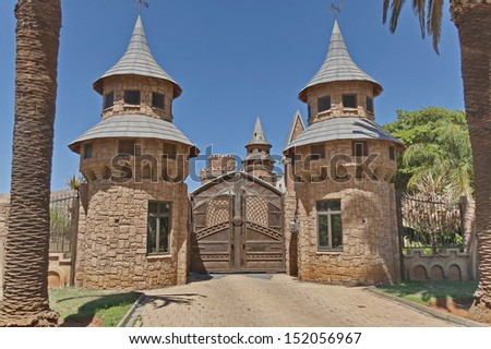 Chateau de Nates - beautiful place for repose. Chateau de Nates is located in Magalies region not far of Johannesburg, South Africa. - stock photo