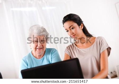 how to teach elderly computer skills