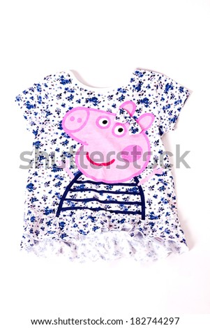 Children's T-shirt in beautiful flowers patterned pigs - stock photo