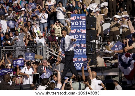 Crowd at Early Vote for Change for Barack Obama Presidential rally at Bonanza High School, Judy K. Cameron Stadium in Las Vegas, NV, October 25, 2008 - stock photo
