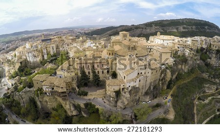 """CUENCA, Casas colgadas """"hanging houses"""". Many casas colgadas are built right up to the cliff edge,making Cuenca one of the most striking towns in Spain - stock photo"""