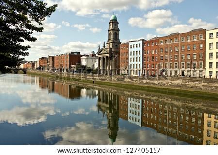 Der Fluss Liffey in Dublin, Irland - stock photo