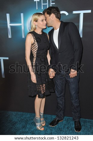 """Diane Kruger & Joshua Jackson at the Los Angeles premiere of her movie """"The Host"""" at the Cinerama Dome, Hollywood. March 19, 2013  Los Angeles, CA Picture: Paul Smith - stock photo"""