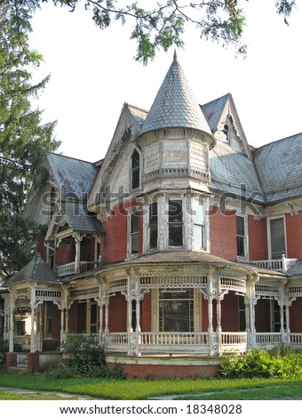"""Dilapidated Victorian house appears """"haunted"""" - stock photo"""