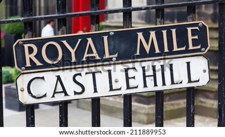 Edimburgh - Royal Mile plate, tipical landmark of the city - stock photo