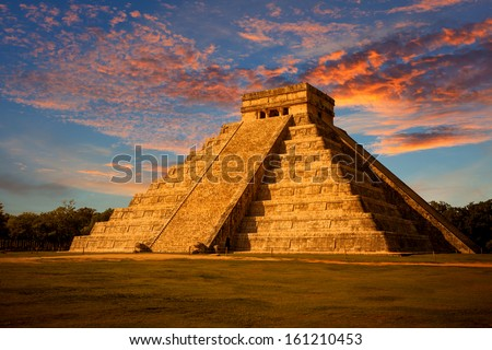 El Castillo (The Kukulkan Temple) of Chichen Itza, mayan pyramid in Yucatan, Mexico - stock photo