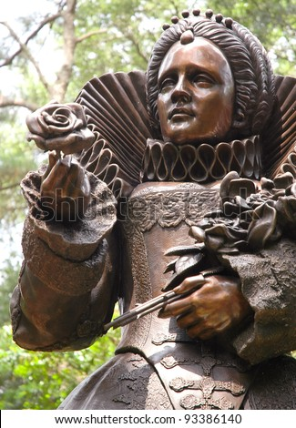 Elizabethan Gardens statue of Queen Elizabeth - stock photo