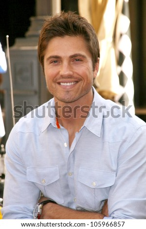 eric winter the parkers