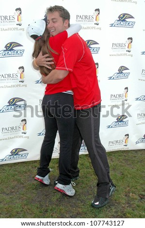 """Eva Longoria Parker and Lance Bass  at the Inaugural """"Stand for Hope!"""" 5k Charity Run Walk. Los Angeles Memorial Coliseum, Los Angeles, CA. 05-31-08 - stock photo"""