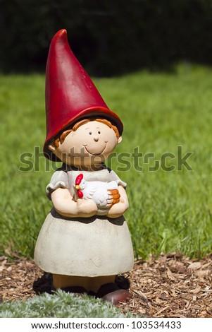figurine-jardin-nains-berger-gardin gnome-statue - stock photo