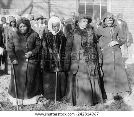 Four Elderly African American women at a Convention of ex-slaves, Washington, D.C., 1916. - stock photo