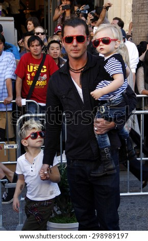 Gavin Rossdale at the Los Angeles premiere of 'Gnomeo And Juliet' held at the El Capitan Theatre in Hollywood on January 23, 2011.   - stock photo