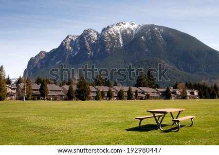 Greenbelt Picnic Table Subdivision Homes Mount Si North Bend - stock photo