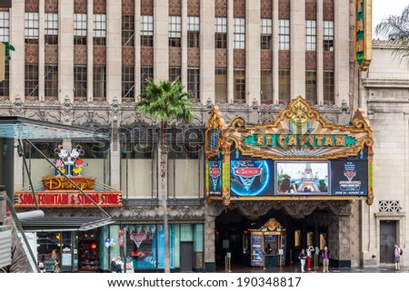 HOLLYWOOD, CALIFORNIA/USA - JULY 29 : El Capitan Theatre  in Hollywood on July 29, 2011. Unidentified people. - stock photo
