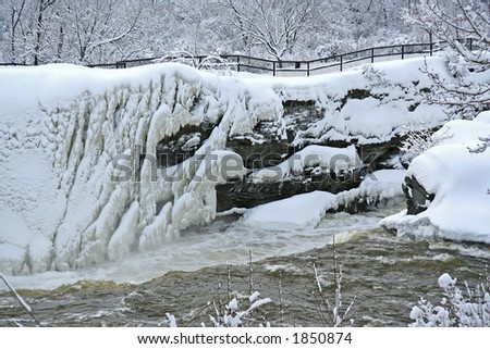 Ice river at the hogsback locks - stock photo