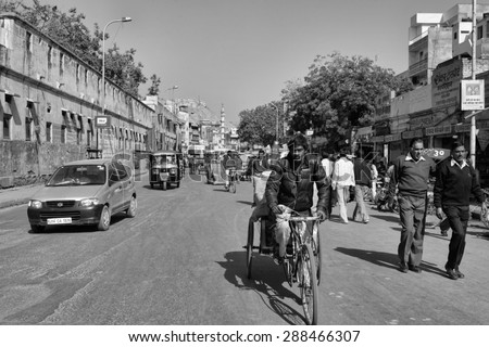 INDIA, Rajasthan, Jaipur; 23 january 2007, traffic in a central street of the city - EDITORIAL - stock photo