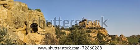 Italy, Sicily, Agrigento, Greek Temples Valley, Juno Temple (480-420 b.C.) - stock photo